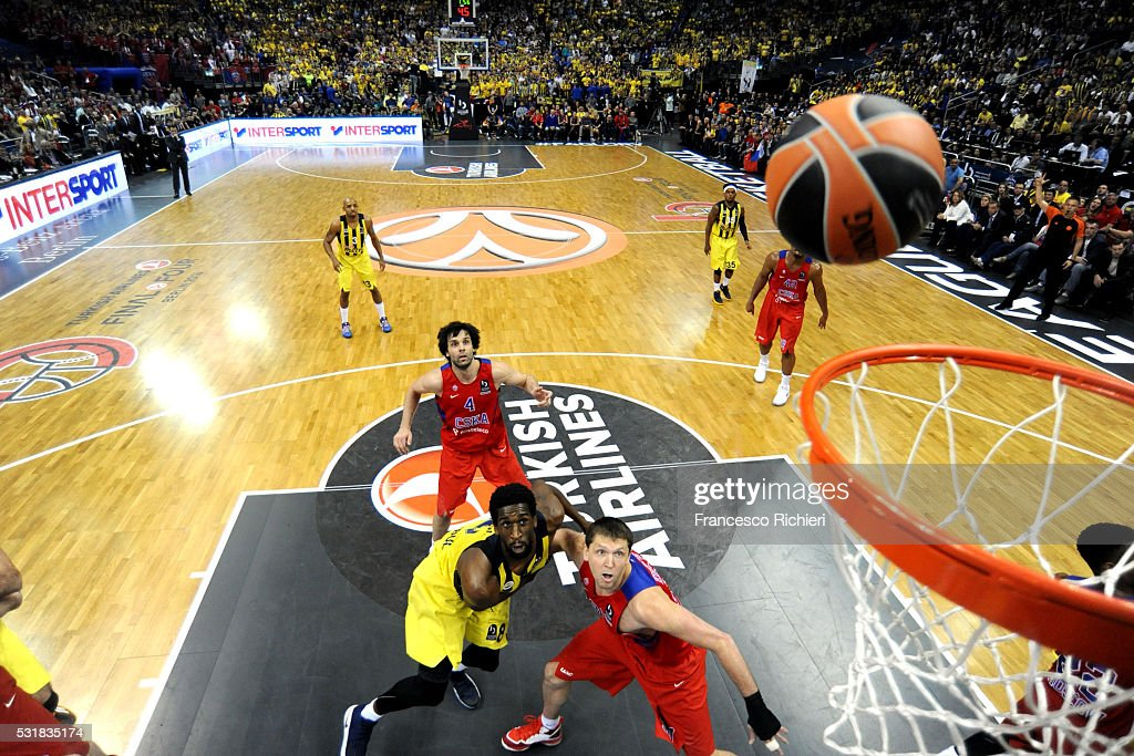 Ekpe Udoh #8 of Fenerbahce Istanbul competes Victor Khryapa #31 of CSKA Moscow with Turkish Airlines Euroleague Basketball Final Four Berlin 2016...