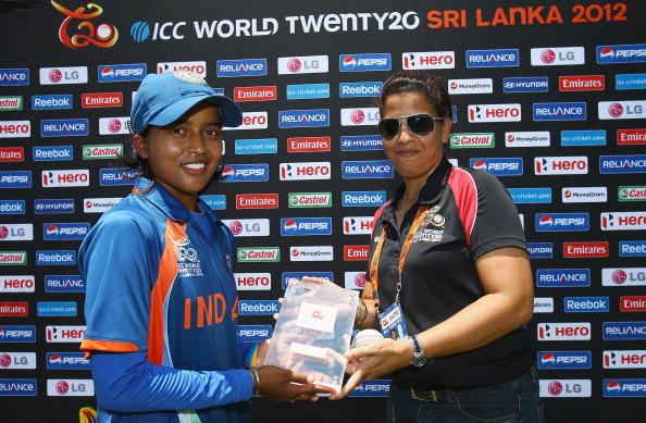 India v Sri Lanka - ICC Women's World Twenty20 2012 Play Off: Game One : News Photo