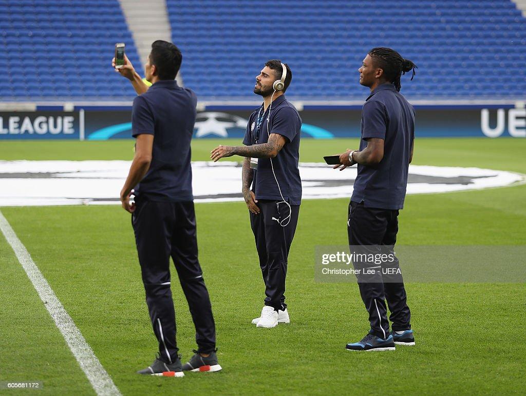 Olympique Lyonnais v GNK Dinamo Zagreb - UEFA Champions League