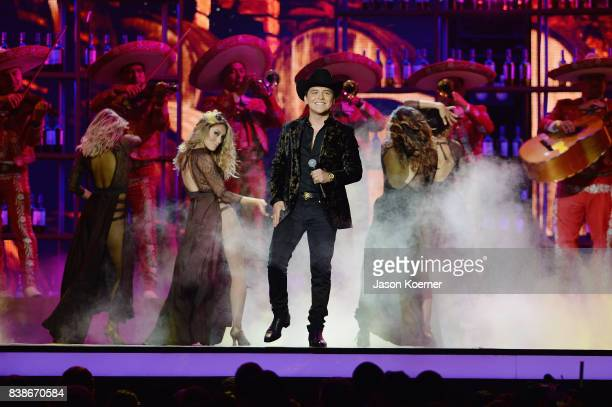 El Dasa performs on stage at Telemundo's 2017 'Premios Tu Mundo' at American Airlines Arena on August 24 2017 in Miami Florida