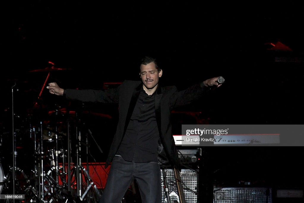 El Debarge performs during Charlie Wilson's Mother's Day Fest at Atlantic City Boardwalk Hall on May 11, 2013 in Atlantic City, New Jersey.