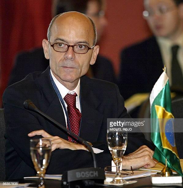 El secretario general de Comercio de Brasil Rosinha participa de una reunion del Consejo del Mercado Comun del Mercosur en Montevideo Uruguay el 07...