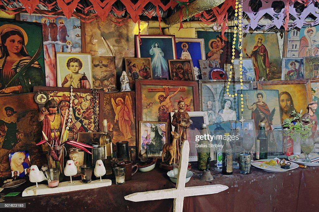 Elaborate Voodoo ( a.k.a.Las 21 Divisiones ) altar