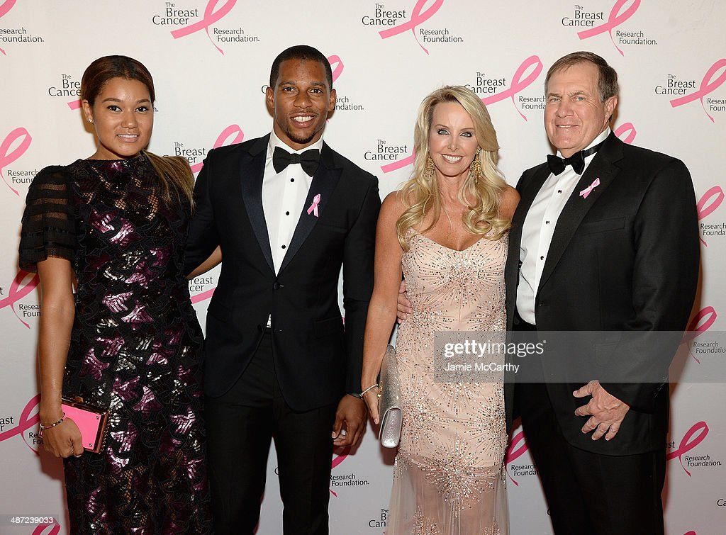 <a gi-track='captionPersonalityLinkClicked' href=/galleries/search?phrase=Elaina+Watley&family=editorial&specificpeople=8901133 ng-click='$event.stopPropagation()'>Elaina Watley</a>, <a gi-track='captionPersonalityLinkClicked' href=/galleries/search?phrase=Victor+Cruz+-+American+Football+Player&family=editorial&specificpeople=8736842 ng-click='$event.stopPropagation()'>Victor Cruz</a>, Linda Holliday and <a gi-track='captionPersonalityLinkClicked' href=/galleries/search?phrase=Bill+Belichick&family=editorial&specificpeople=201822 ng-click='$event.stopPropagation()'>Bill Belichick</a> attend The Breast Cancer Foundation's 2014 Hot Pink Party at Waldorf Astoria Hotel on April 28, 2014 in New York City.