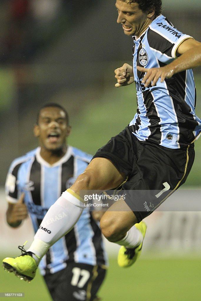 Caracas FC v Gremio - Copa Bridgestone Libertadores 2013