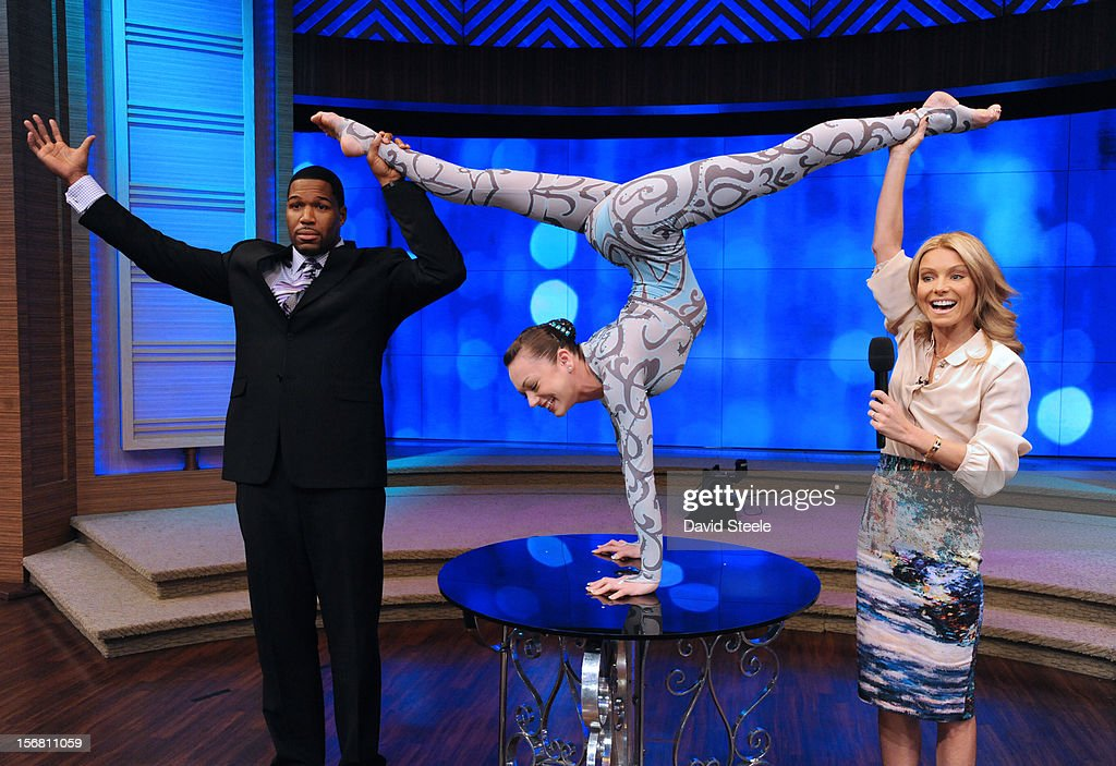 "MICHAEL -11/20/12 - Elayne Kramer, a contortionist from The Big Apple Circus performs for the ""LIVE"" audience on the newly-rechristened syndicated talk show, LIVE with Kelly and Michael,' distributed by Disney-ABC Domestic Television. ELAYNE"