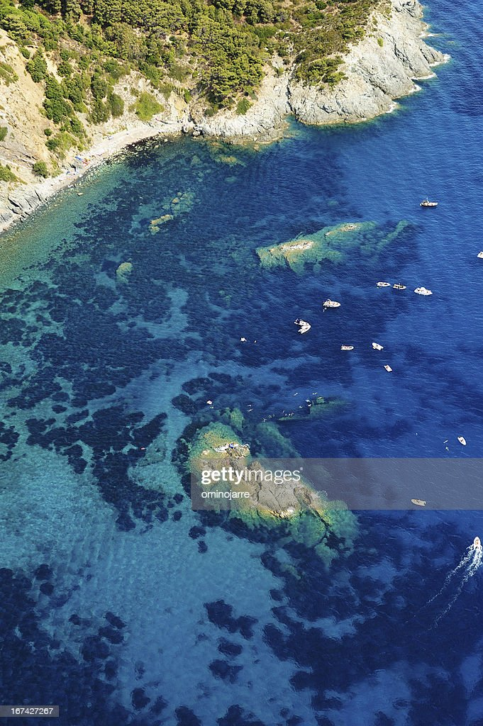 Isola d'Elba-Pomonte beach+shipwreck : Stock Photo