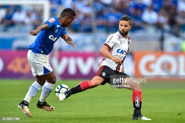 Elber of Cruzeiro and Diego of Flamengo battle for the ball during a match between Cruzeiro and Flamengo as part of Brasileirao Series A 2017 at...