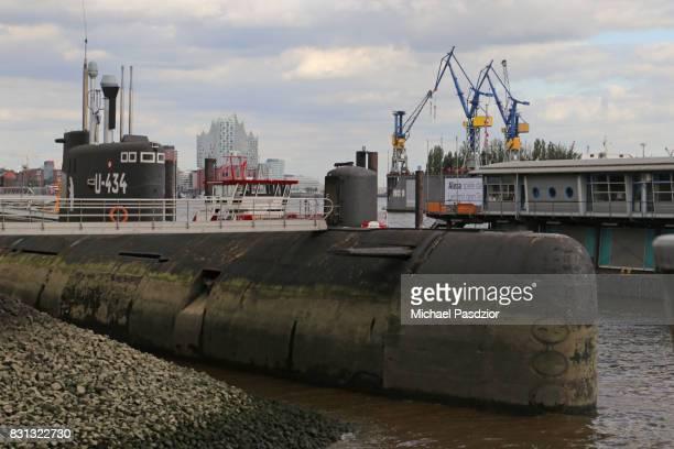 Elbphilharmonie and submarine