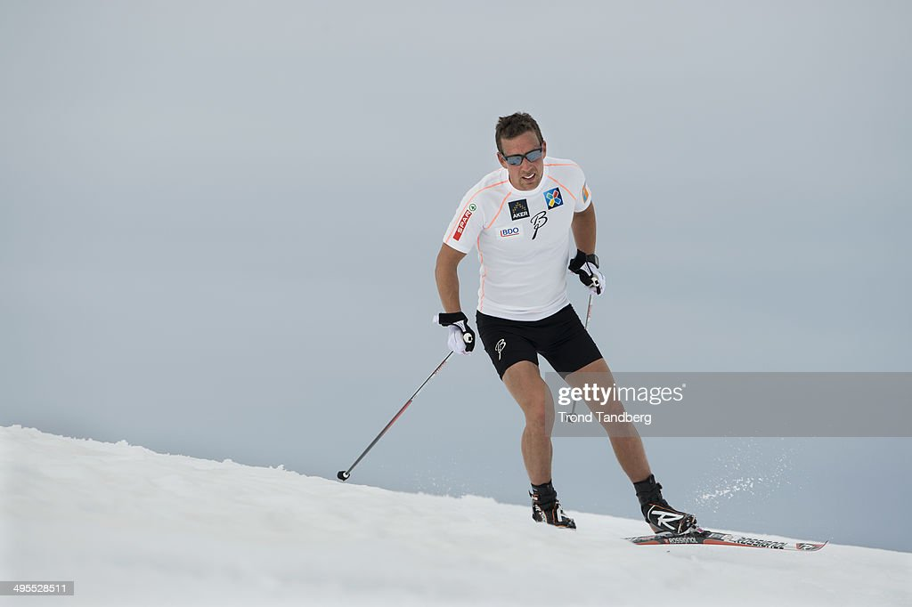 <a gi-track='captionPersonalityLinkClicked' href=/galleries/search?phrase=Eldar+Roenning&family=editorial&specificpeople=802581 ng-click='$event.stopPropagation()'>Eldar Roenning</a> of Norway during Cross-Country training session at Sognefjellet on June 4, 2014 in Lom, Norway.