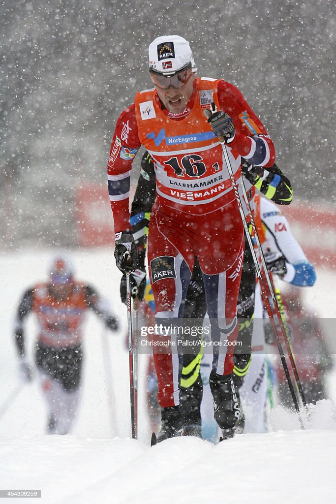 <a gi-track='captionPersonalityLinkClicked' href=/galleries/search?phrase=Eldar+Roenning&family=editorial&specificpeople=802581 ng-click='$event.stopPropagation()'>Eldar Roenning</a> of Norway takes 2nd place during the FIS Cross-Country World Cup Men's Relay on December 08, 2013 in Lillehammer, Norway.