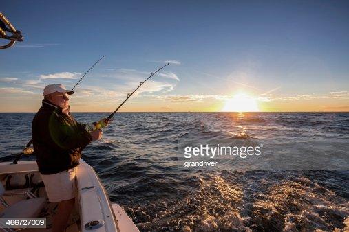 Homem idoso Pesca