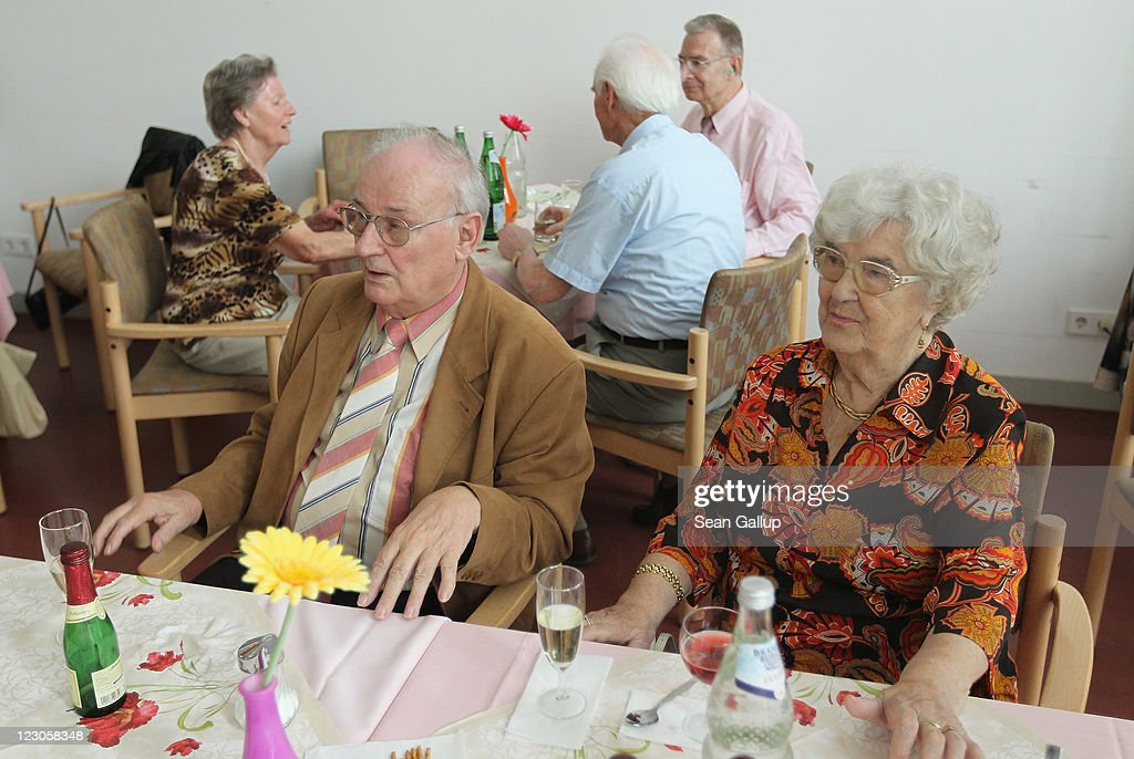 Get together in the community room of the sewanstrasse senior