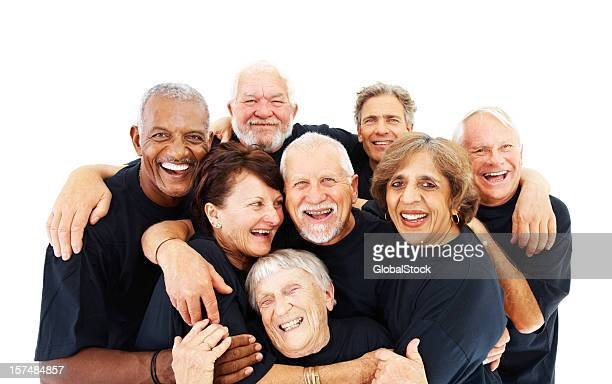 Senioren stehen zusammen auf weißen Hintergrund.