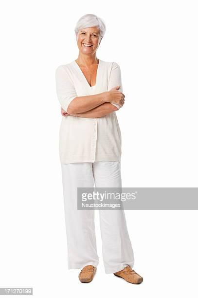 Edad mujer sonriente con las manos doblado aislado