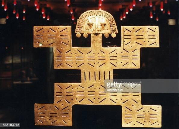 Eldorado Ausstellung im Alten Museum Brustplatte aus Kolumbien im Talima Stil aus gegossenem und gehämmertem Gold ca 300 1100 n Chr 1994