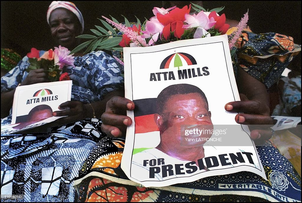 Elections, Illustration in Accra, Ghana in October, 2000 - People showing their support to <a gi-track='captionPersonalityLinkClicked' href=/galleries/search?phrase=John+Atta+Mills&family=editorial&specificpeople=2650122 ng-click='$event.stopPropagation()'>John Atta Mills</a>, vice president of Ghana, National Democratic Congress candidate for the elections.