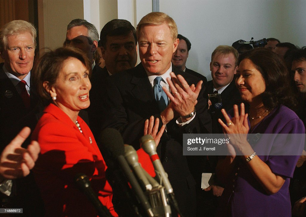 ELECTIONS--House Minority Leader Nancy Pelosi, D-Calif., outgoing leader Richard A. Gephardt, D-Mo., Hilda L. Solis, D-Calif., and other Democrats during a news conference after Pelosi was chosen to her new post during House Democratic leadership elections.