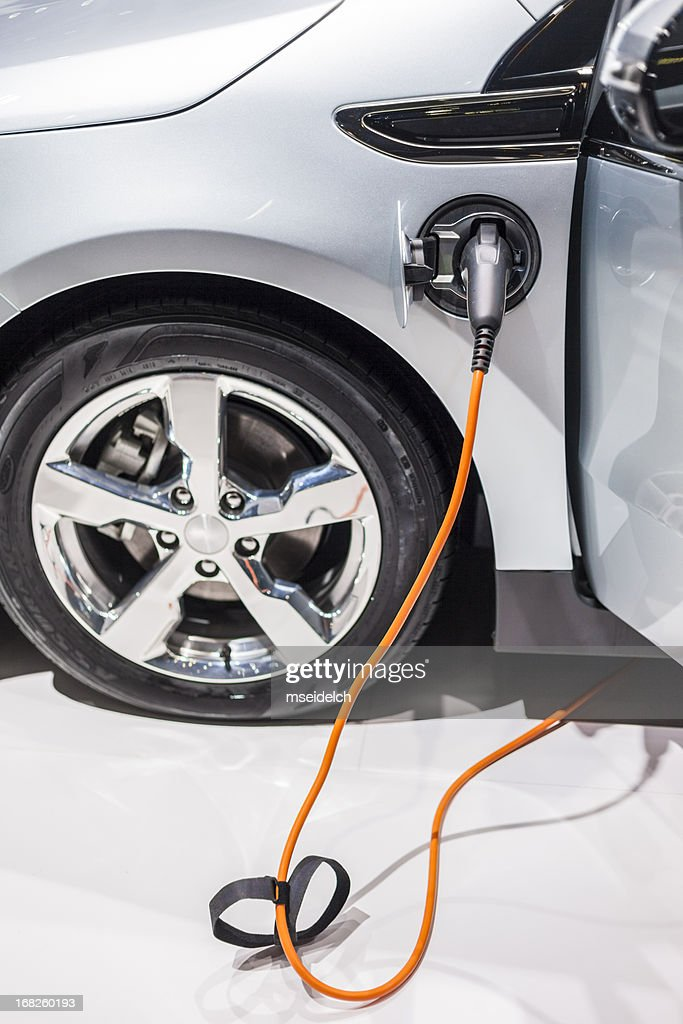 Electric car/vehicle charing