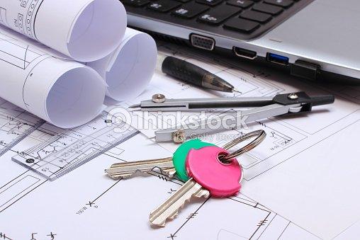 Schemi Elettrici Casa : Schemi elettrici accessori per il disegno chiavi di casa e laptop