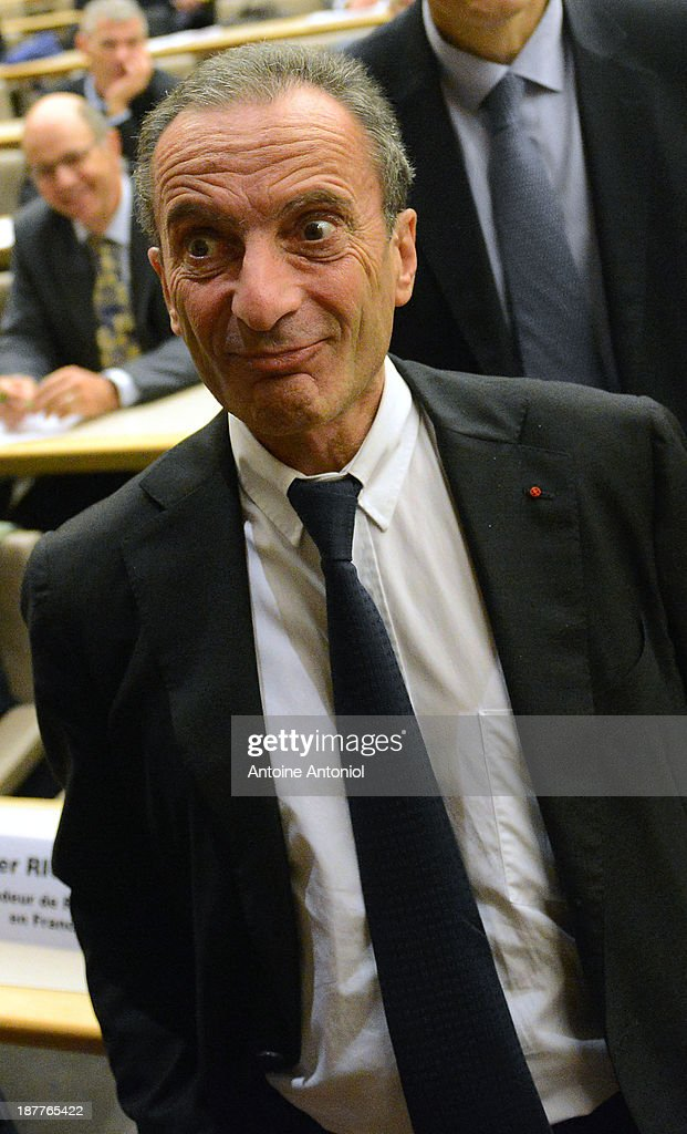 Electricite de France (EDF) CEO <a gi-track='captionPersonalityLinkClicked' href=/galleries/search?phrase=Henri+Proglio&family=editorial&specificpeople=569837 ng-click='$event.stopPropagation()'>Henri Proglio</a> arrives at a press conference about nuclear energy on the international market on November 12, 2013 in Paris, France.