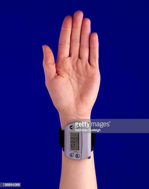 Electronic device worn on a wrist