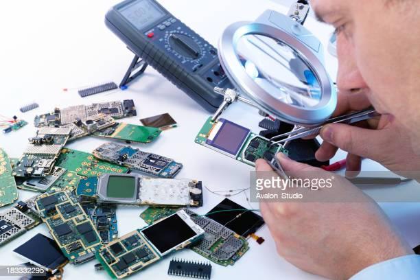 Electronic technician GSM