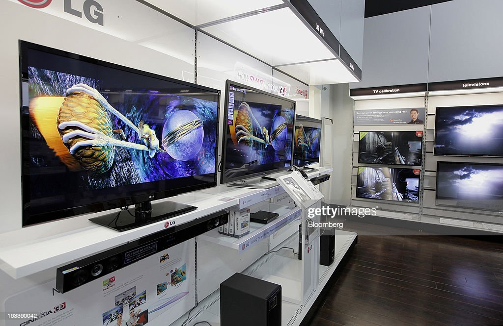 LG Electronics Inc. televisions are displayed for sale at a Future Shop store in Vancouver, British Columbia, Canada, on Thursday, March 7, 2013. Future Shop, Canada's largest consumer electronics retailer, offers home and entertainment products, including televisions, computers, cameras, MP3 players, video games, computer add-ons, software, and audo and video systems. Photographer: Deddeda White/Bloomberg via Getty Images