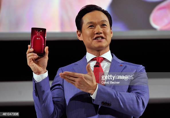 Electronics MobileComm USA Brand Marketing Senior Manager Frank Lee displays the LG G Flex 2 smartphone at a press event at the Mandalay Bay...