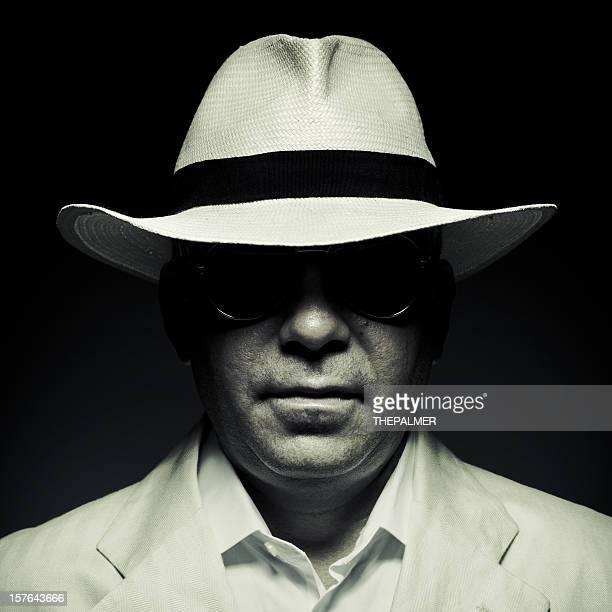 Elegante homem misterioso Cuba