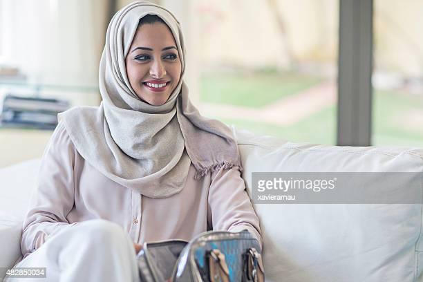 Elegante emiratischen Frau