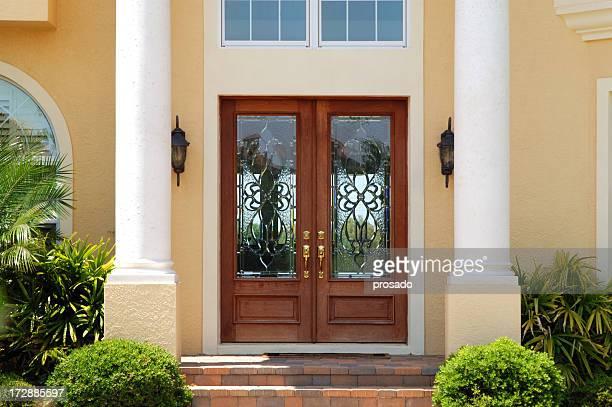Entrée élégante de la maison de luxe