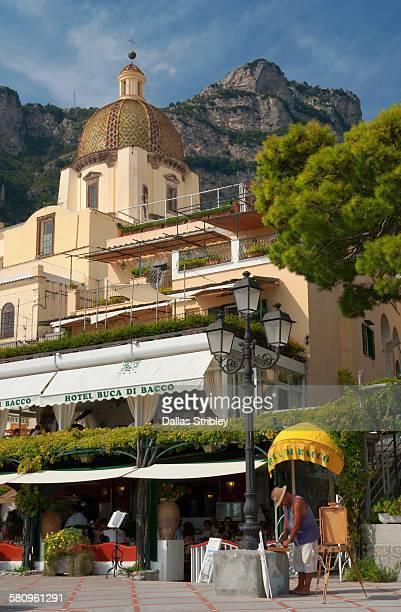 Elegant foreshore restaurant in Positano