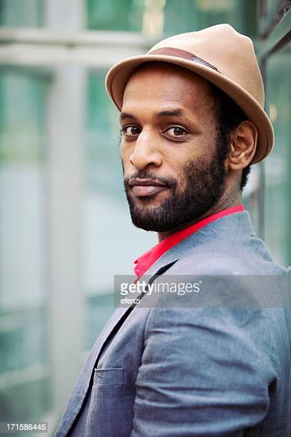 Eleganten Mann mit Hut
