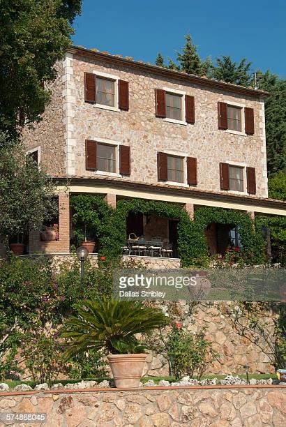 Elegant Tuscan villa near Manciano, ItalY