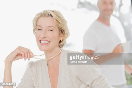 Elegante Frau Lächeln