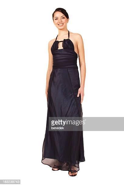 Elegante junge Frau im Abendkleid mit Weiß