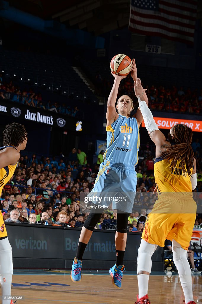 <a gi-track='captionPersonalityLinkClicked' href=/galleries/search?phrase=Elena+Delle+Donne&family=editorial&specificpeople=5042380 ng-click='$event.stopPropagation()'>Elena Delle Donne</a> #11 of the Chicago Sky shoots the ball against the Indiana Fever on June 29, 2016 at Allstate Arena in Rosemont, IL.