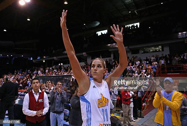 Elena Delle Donne of the Chicago Sky waves to the crowd as she leaves the court following a loss to the Phoenix Mercury after game three of the WNBA...