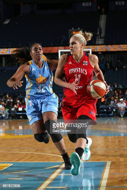 Elena Delle Donne of the Washington Mystics drives to the basket against Cheyenne Parker of the Chicago Sky on May 24 2017 at the Allstate Arena in...