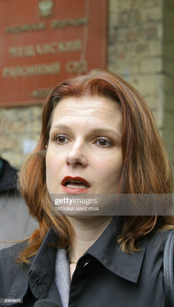 Elena Liptser, the lawyer of Menatep (Russian oil giant Yukos holding) head Platon Lebedev, answers media questions outside Meshchansky court in Moscow, 20 May 2004. Platon Lebedev's defense team has asked Moscow's Meshchansky Court to merge their client's case with that of former Yukos chief Mikhail Khodorkovsky.
