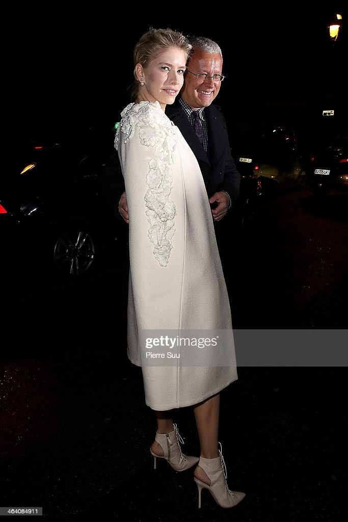 Elena Perminova arrives at the Giambattista Valli show as part of Paris Fashion Week Haute Couture Spring/Summer 2014 on January 20, 2014 in Paris, France.