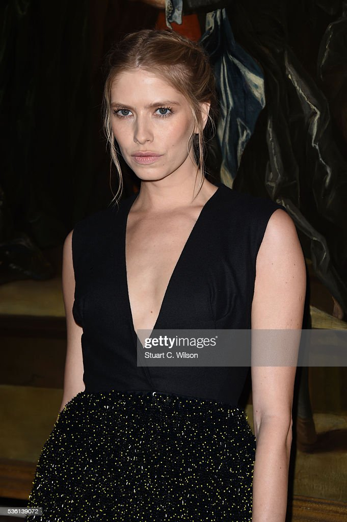 <a gi-track='captionPersonalityLinkClicked' href=/galleries/search?phrase=Elena+Perminova&family=editorial&specificpeople=6479553 ng-click='$event.stopPropagation()'>Elena Perminova</a> arrives for the Christian Dior showcase of its spring summer 2017 Cruise collection at Blenheim Palace on May 31, 2016 in Woodstock, England.