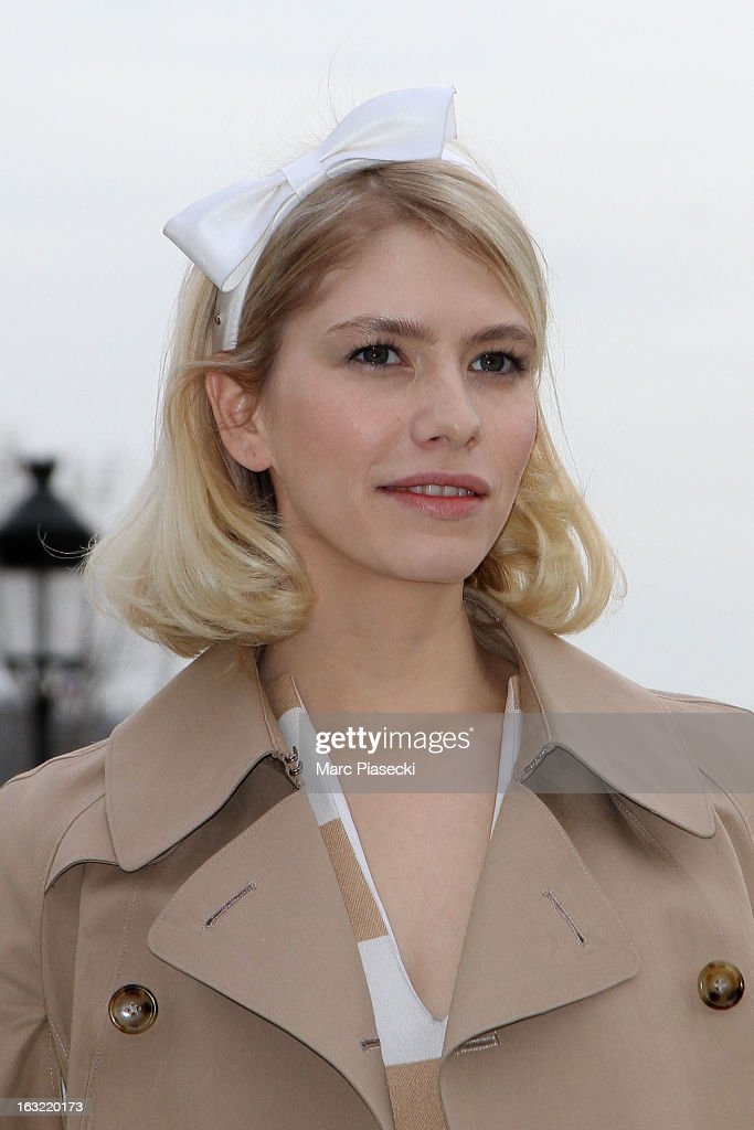 Elena Perminova arrives to attend the 'Louis Vuitton' Fall/Winter 2013 Ready-to-Wear show as part of Paris Fashion Week on March 6, 2013 in Paris, France.