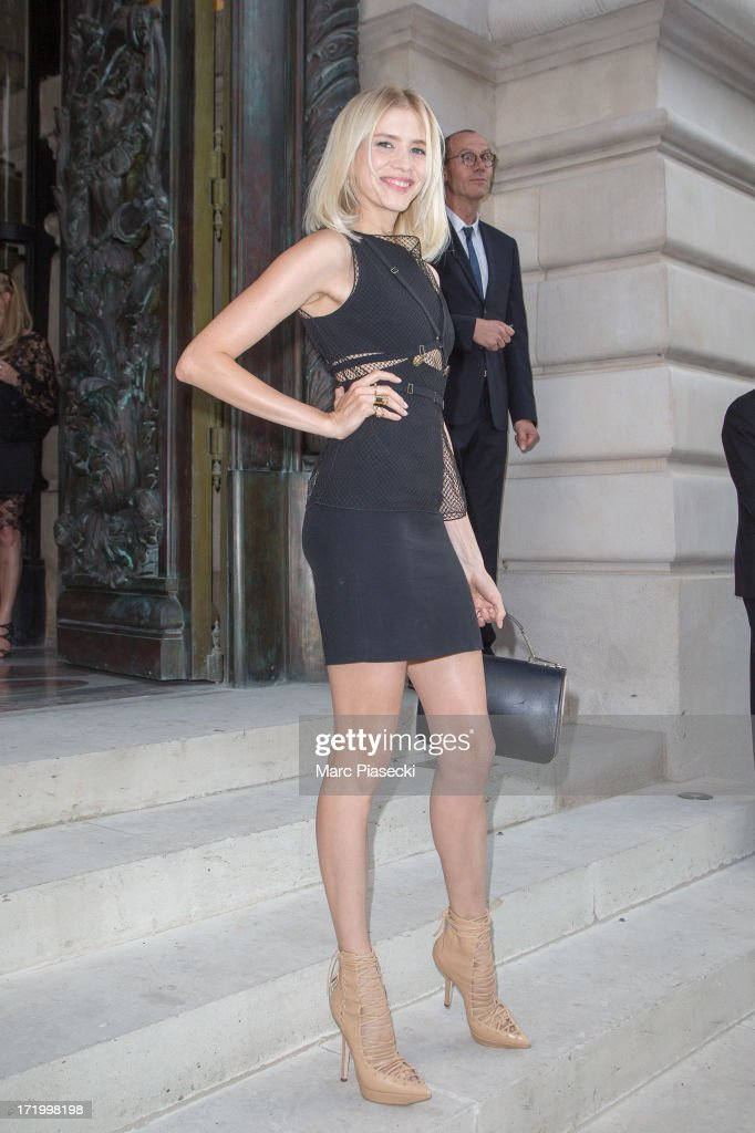 <a gi-track='captionPersonalityLinkClicked' href=/galleries/search?phrase=Elena+Perminova&family=editorial&specificpeople=6479553 ng-click='$event.stopPropagation()'>Elena Perminova</a> arrives to attend the Versace show as part of Paris Fashion Week Haute-Couture Fall/Winter 2013-2014 on June 30, 2013 in Paris, France.