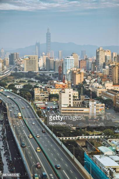 elevated roads in Taipei