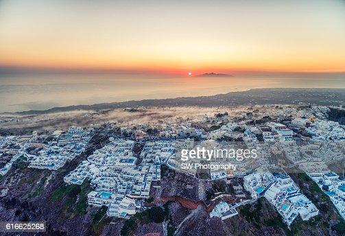 Elevated view of Imerovigli, Santorini, Greece : Stock Photo
