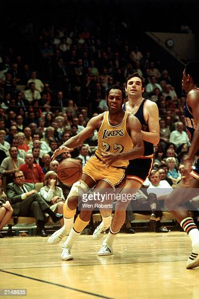 Elgin Baylor of the Los Angeles Lakers drives against the New York Knicks at the Great Western Forum circa 1972 in Inglewood California NOTE TO USER...