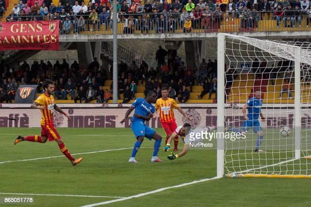 Elhadji Babacar Khouma of AC Fiorentina scores a goal during Serie A TIM match between Benevento Calcio v AC Fiorentina Stadium Ciro Vigorito of...