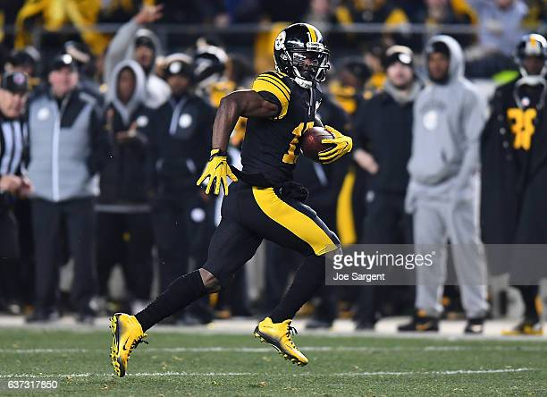 Eli Rogers of the Pittsburgh Steelers in action during the game against the Baltimore Ravens at Heinz Field on December 25 2016 in Pittsburgh...